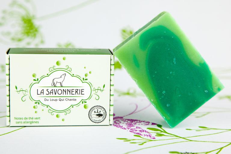 Savon vert au thé vert et sa boite